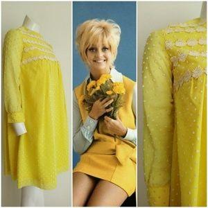 Vintage 60s MOD groovy mini swiss dots dress 🌞